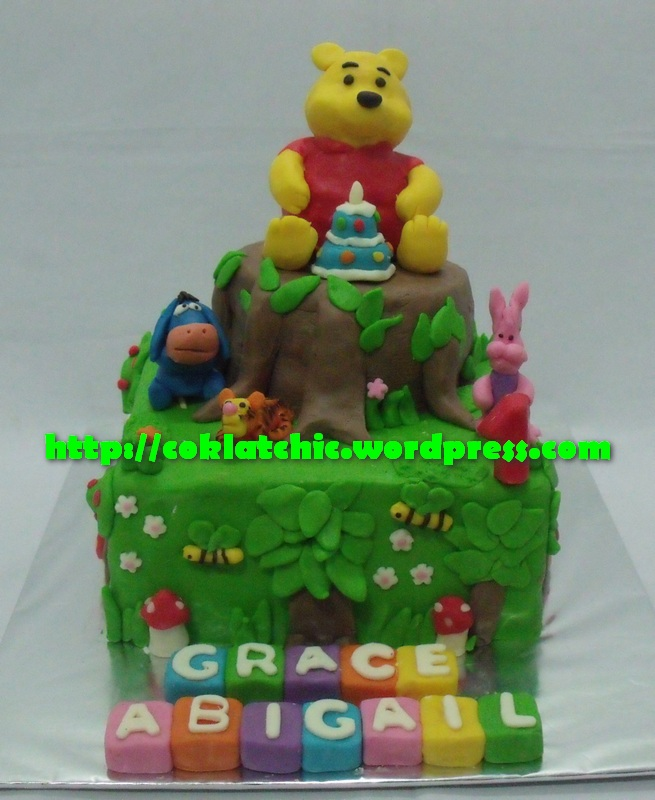 Winnie The Pooh Cake Dan Minicupcake Grace Abigail Coklat Chic