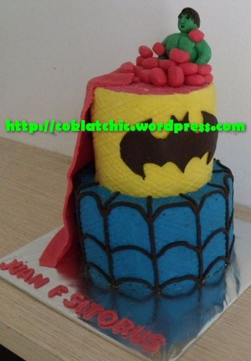 Cake Batman Superman Spiderman Dan Hulk Juan F