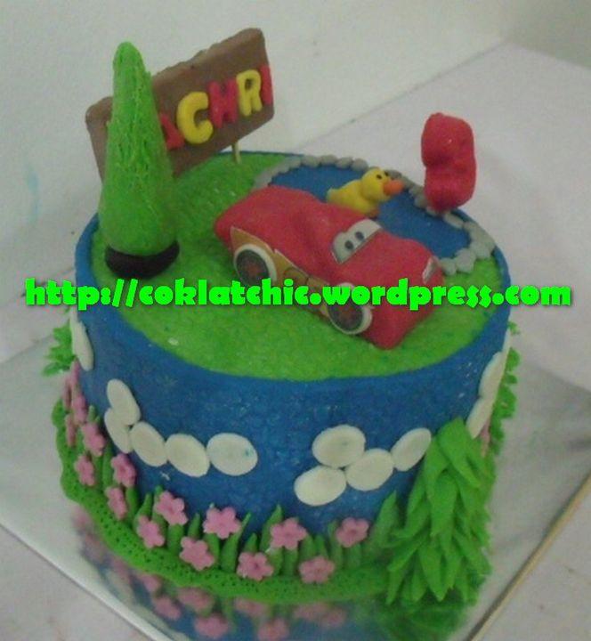 Kue ulang tahun dengan tema Cake Cars Lightning mc Queen model ini