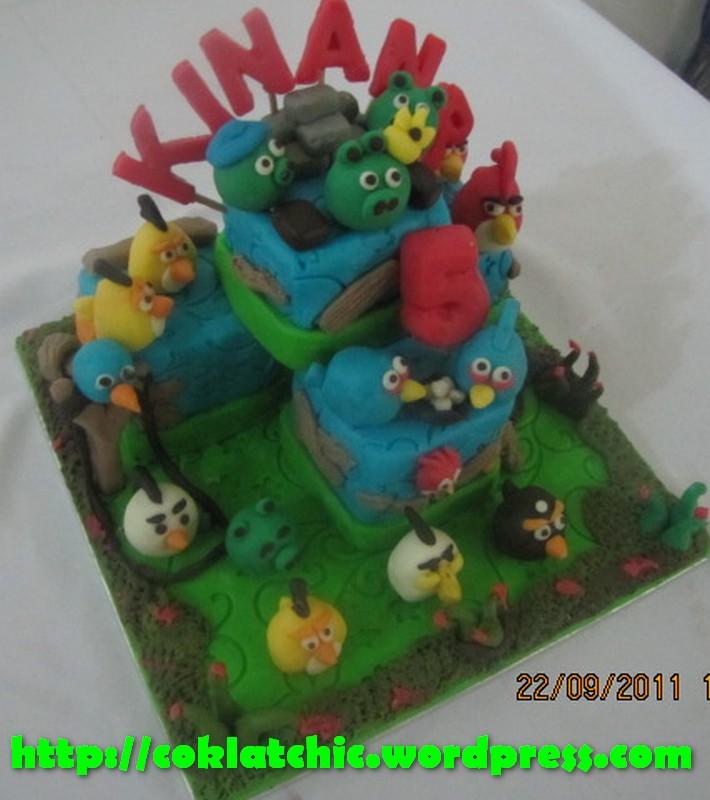 ... cake angry birds dan Minicupcake angry birds Model Kue Tart Angry Bird