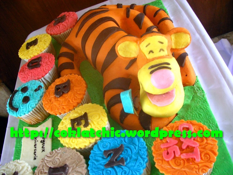 Terbuat Dari Kue Yang Dipahatno Styrofoam Pelapis Picture