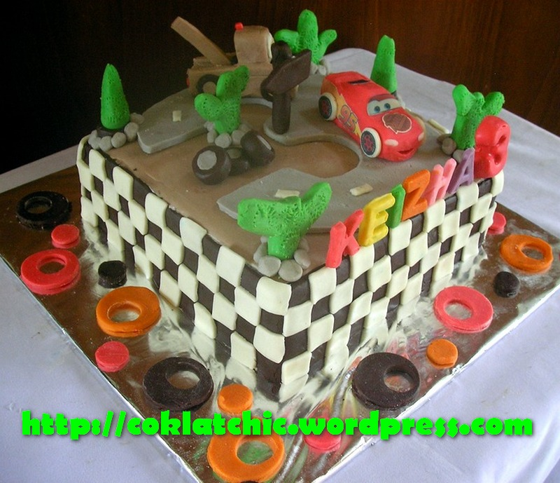 Kue ulang tahun dengan tema Cake Lightning mc Queen dan Mater model ...