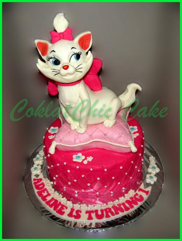 Marie The Cat Coklatchic Cake