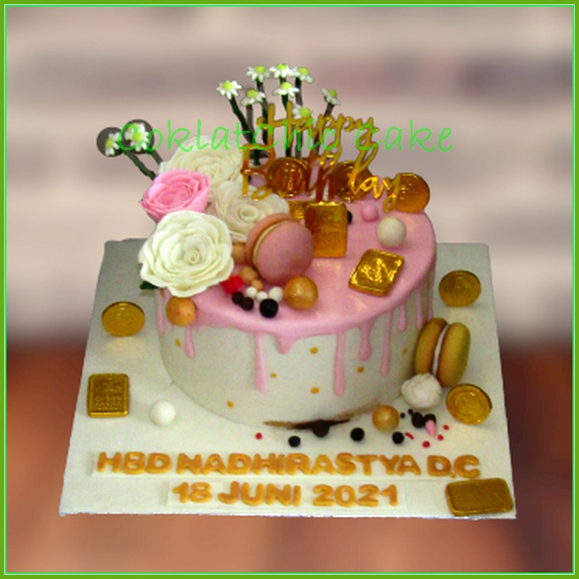 Cake Pulling Money Flowers and Gold - NADHIRASTYA ...